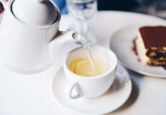 Akcesoria do herbaty, które musisz mieć